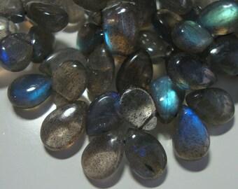 8 pcs -- 10-11mm -- Pretty Flashing Fiery Blue Green LABRADORITE Smooth Pear Briolettes