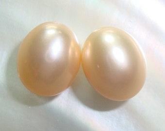 Fresh Water Pearls, 2 pcs, 10x8.3mm, Gorgeous Cultured Natural Peach Cream Teardrop Briolette M2