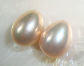 2 pcs, Romantic, 9-10x8-9mm, Gorgeous Cultured Fresh Water Pearls, Natural Mauve Pink Overtone Teardrop Briolette, half drilled