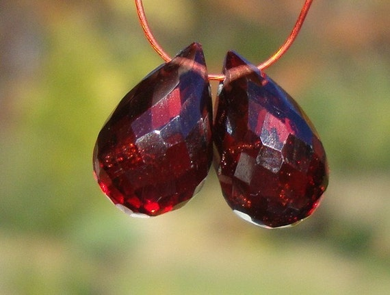 6 pcs - 8-9mm - Outstanding Color, Super Nice Micro Faceted MOZAMBIQUE Garnet Teardrop Briolette