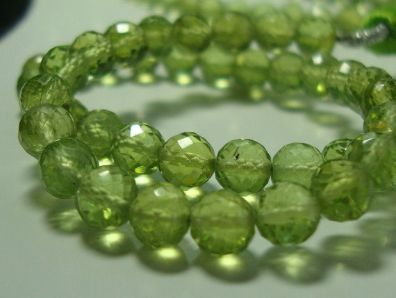 20 pcs - 4-4.5mm -- Gorgeous Sparkling Genuine Peridot Micro Faceted Round Beads - August Stone
