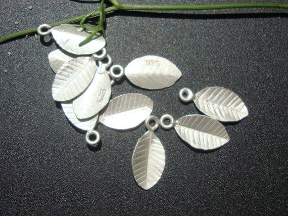 Save, Bulk 12 pcs - Pure 925 Sterling Silver Tiny Leaf - Great for Stamping, Charm
