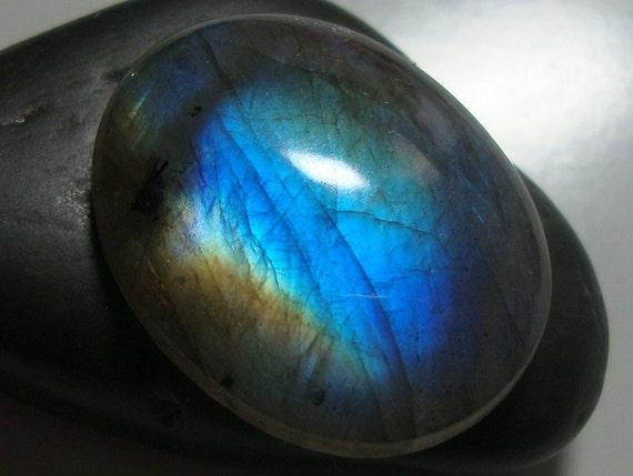 One Focal, 22.5x18x5.5mm, AAA, Firey Blue Flash Labradorite Smooth Oval Cabochon - J14-2