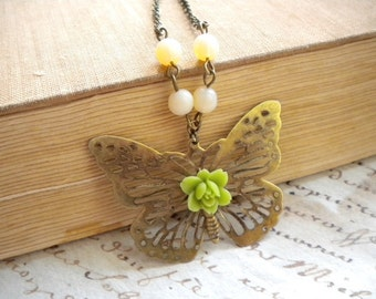 Animal Necklace Butterfly Pendant Nature Jewelry Flower Charm Necklace Animal Jewelry Butterfly Necklace Nature Necklace Green Necklace