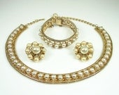 Vintage Hobe Necklace Bracelet Earrings Faux Pearl Jewelry Set