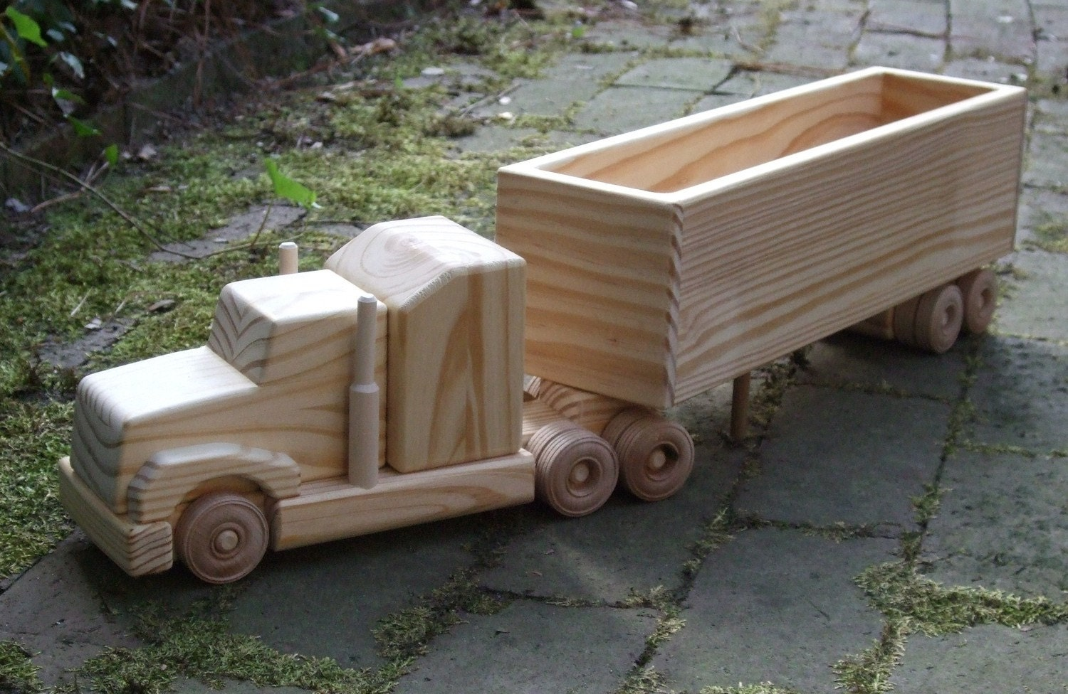 wooden toy trucks download wooden toy plans build yoyos pull toys ...