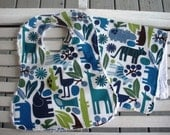 Bib and Burp Cloth Set in 2D Zoo
