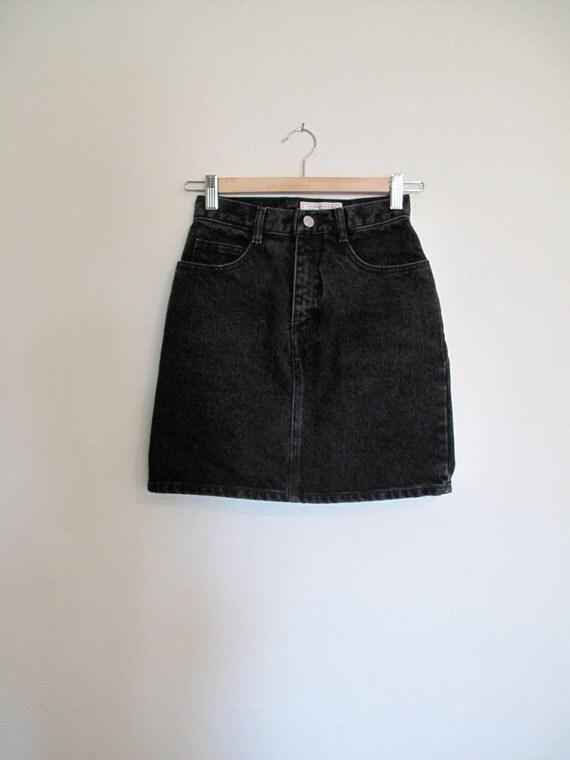 GUESS black denim mini skirt s/xs