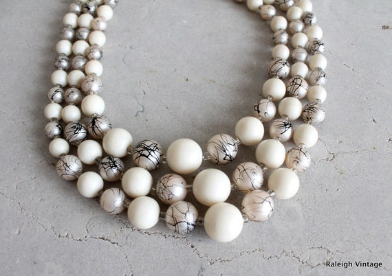 Vintage 1960s Necklace : 50s 60s Black & White Modernist Choker