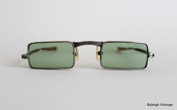 Vintage 1960s Sunglasses : 60s MOD Metal Frame Glasses