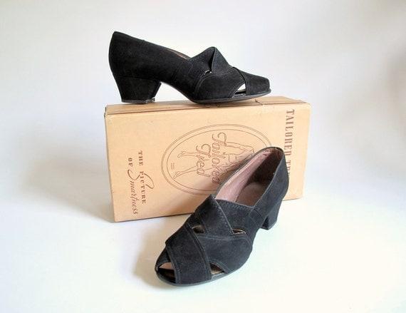 Vintage 1930s 40s Shoes : Black Pumps Size 6.5 NOS Peep Toe