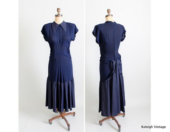 50% OFF SALE Vintage 1940s Dress : 30s 40s Navy Crepe Party Dress