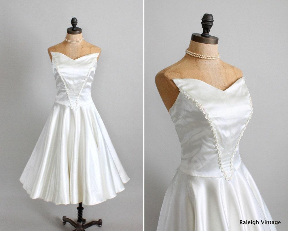 Vintage 1950s Wedding Dress : 50s 60s Satin Strapless Full