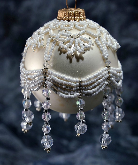 Beaded ornament cover for Weihnachtskugeln vintage