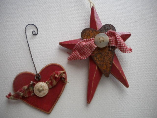Wood STAR Ornament With Rusty Heart Primitives Folk Art