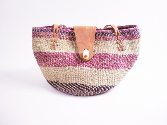 Vintage Ethnic Woven Bag // Sisal and Tan Brown Leather / Oversized Bucket Market Bag