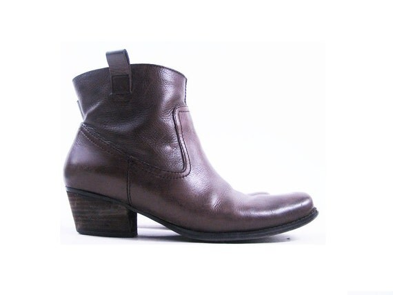 Vintage Brown Leather Southwestern Ankle Boots // Pull on Booties by Nine West / Size 9.5
