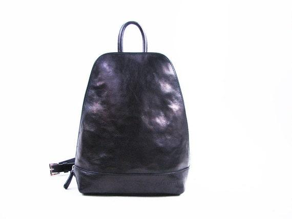 Vintage Black Leather Backpack // 90s Shoulder Bag / Small