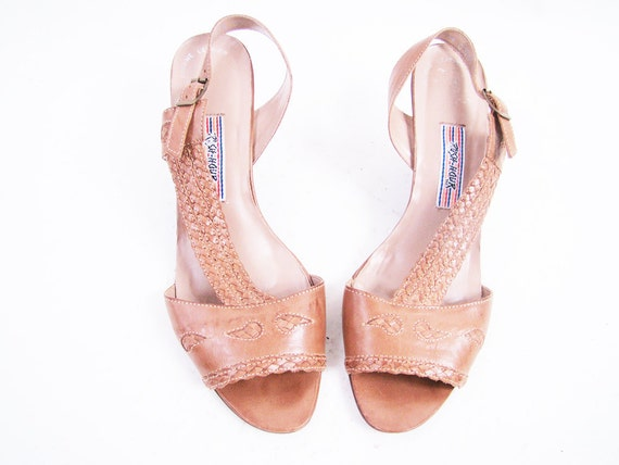 f i n a l s a l e Vintage Tan Brown Leather Woven Wedge Sandals Size 10