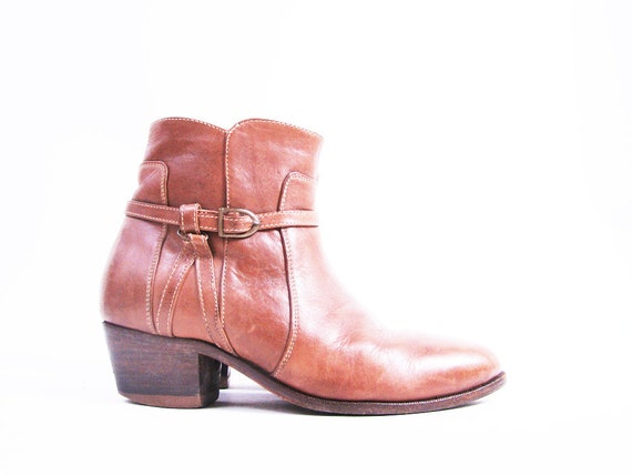 Vintage Brown Leather Harness Ankle Boots Size 9 // Wrap Around Buckle
