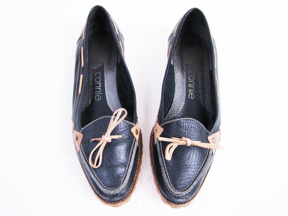 Vintage Navy Leather Woven Loafer Flats Size 6.5