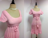 Vintage 1960s Dress / 60s Pink Dress / Vintage Crochet Dress / XS Small
