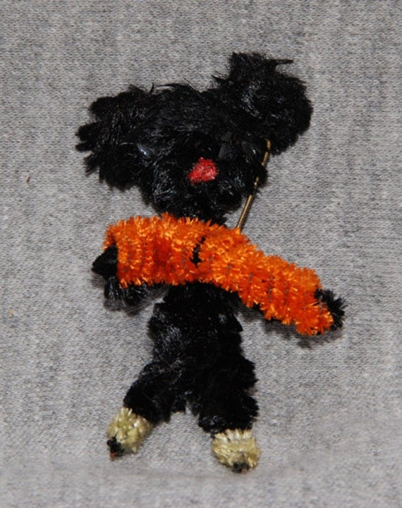 Vintage Black Americana Pipecleaner Pin