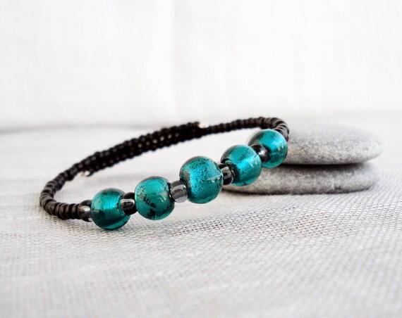 Green and black glass bangle memorywire bracelet elegant rocker handmade