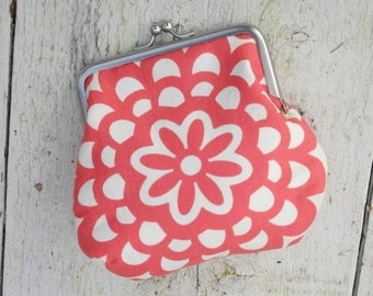 Small Clasp Pouch - Wallflower in Cherry