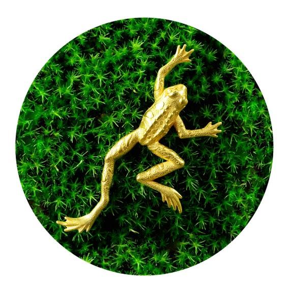 Vintage 70s Statement Brooch - Gold TREE FROG Pin - Signed JJ