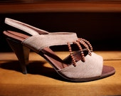 Powder pink sandals with beads - size 6.5 - 80s - Made in Italy - New and Never Worn