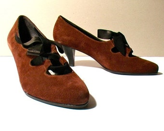 Vintage shoes: brown heeled pumps - Size 6.5 - 80s - Made in Italy - New and never worn
