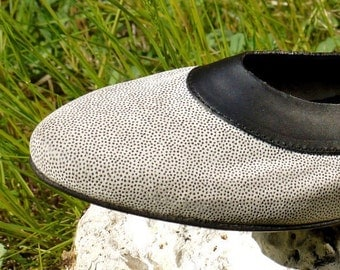Black and white dotted suede flats - size 6.5 - 80s - Made in Italy - New and Never Worn