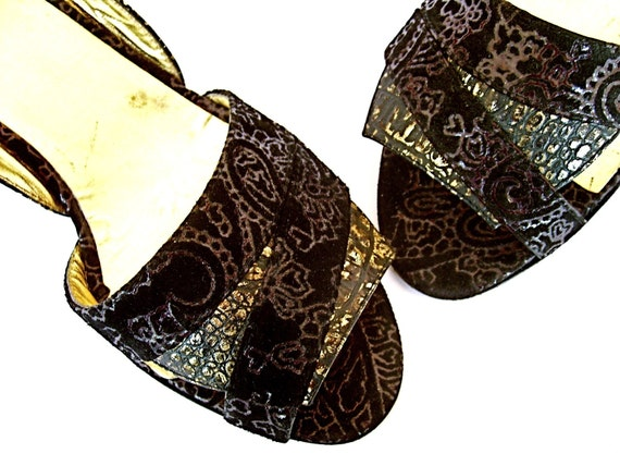 BLACK and GOLD embossed suede heeled SANDALS - size 6.5 - '80 - Made in Italy - New and Never worn