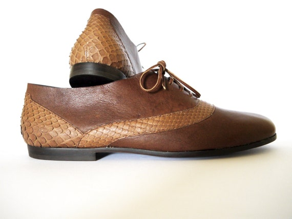 brown leather shoes size 9.5 python snakeskin closed lace-up flat 80s new vintage unworn classic unisex women men