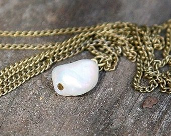 DElicate SNOW DROP FReshwater PEARL Solitaire necklace