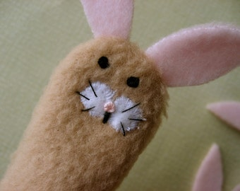 PETER COTTONTAIL- Furry Fingers Finger Puppet