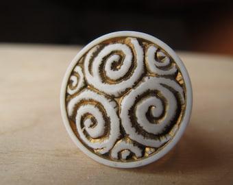 Metallic Swirly Ring