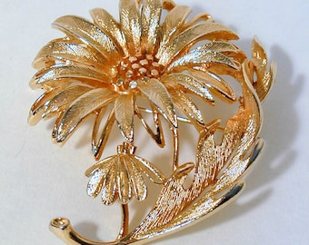 Gold tone Flower Brooch by LISNER
