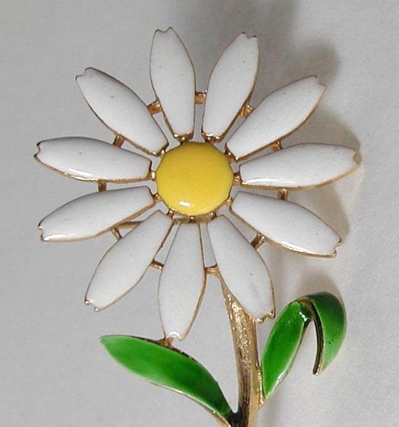 Large Daisy Enamel Pin
