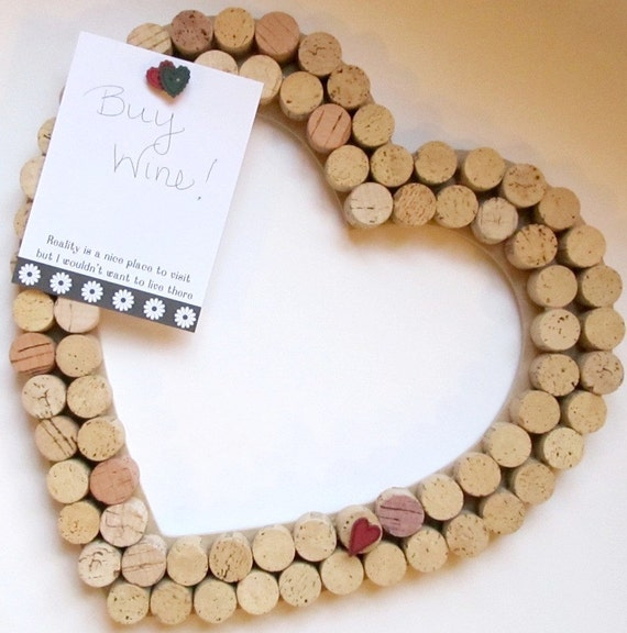 Heart wine cork wall decor and bulletin board for Decorating with wine corks