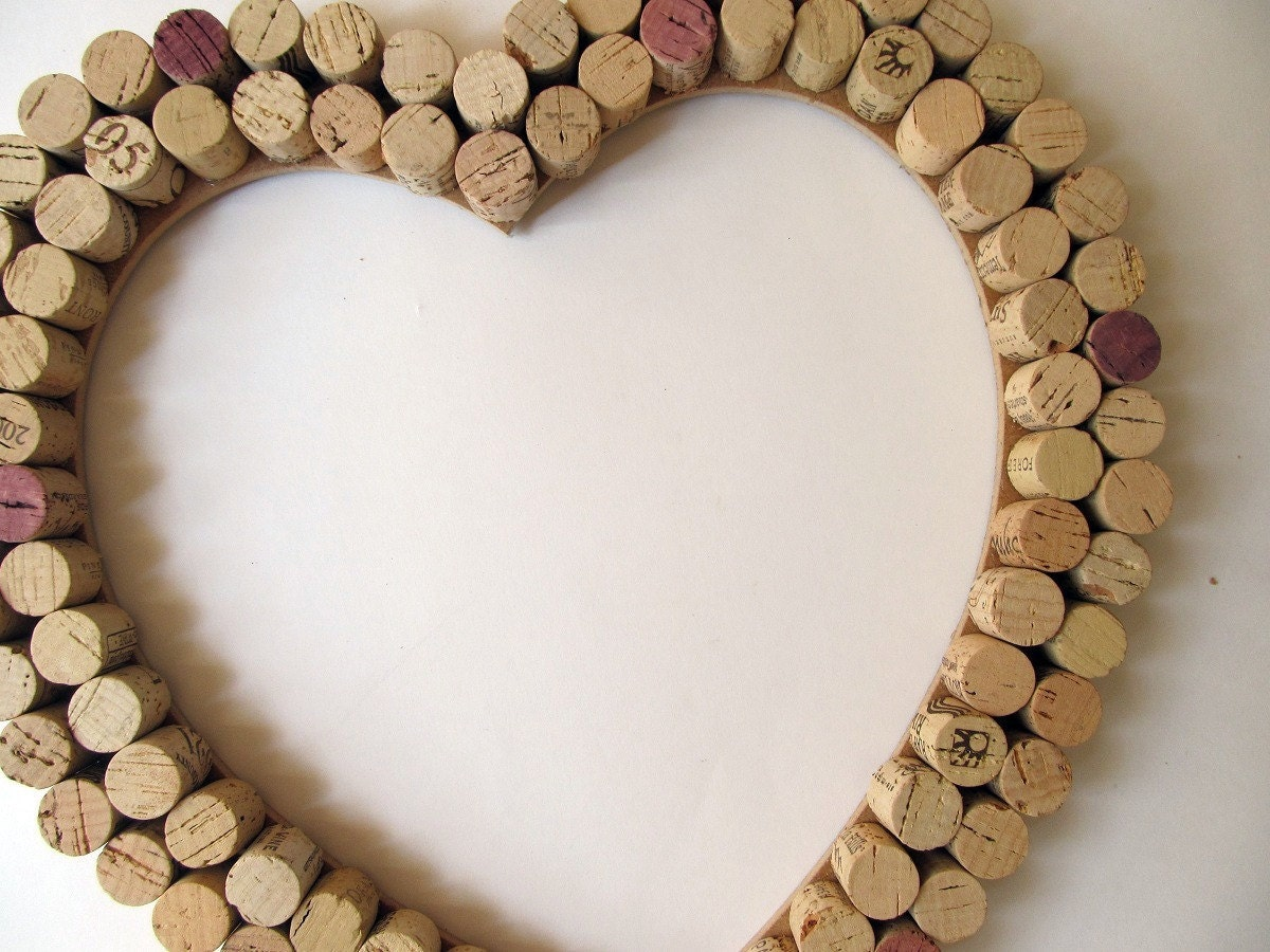 Wine cork heart wall decor bulletin board wedding for Heart shaped bulletin board