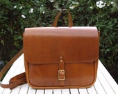 Leather vintage-inspired mailman messenger bag
