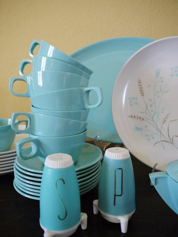 Atomic Age Retro Turquoise Mallo Ware Melmac Dinner Set for 8
