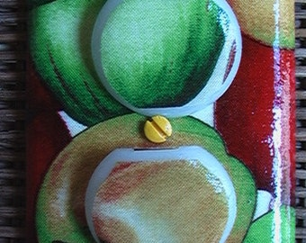 Red Golden Green Apples Outlet Cover Plate with Child Safety Plugs