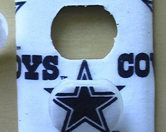 Dallas Cowboys Outlet Cover Plate with Child Safety Covers White or Blue