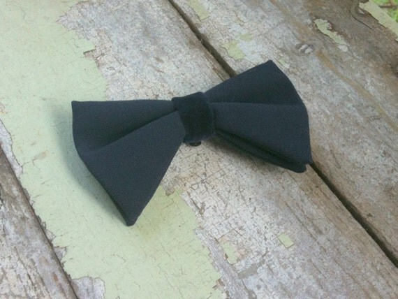 SALE Vintage 1950s Navy Bow Tie