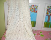 White Fishtailed Lace Patterned Baby Blanket