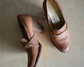 vintage 70s The Wild Pair Camel Oxford heel 7
