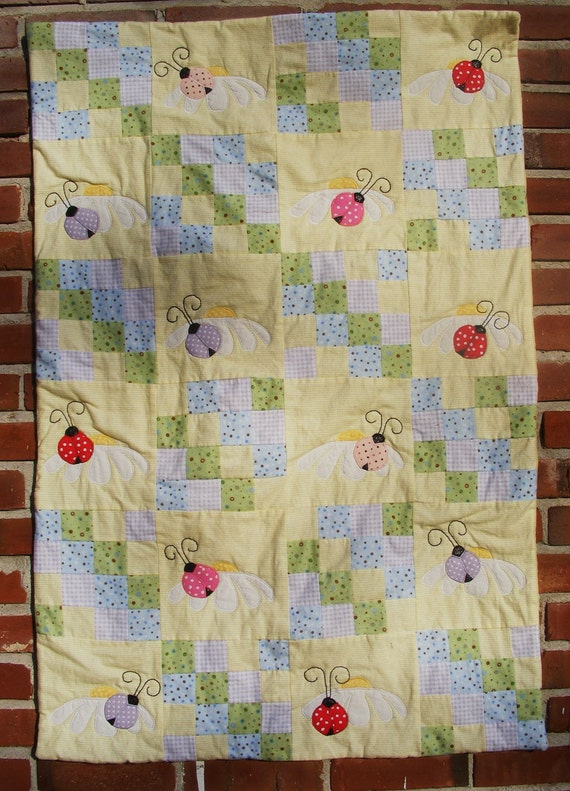Ladybug and Daisy Flannel Baby Quilt